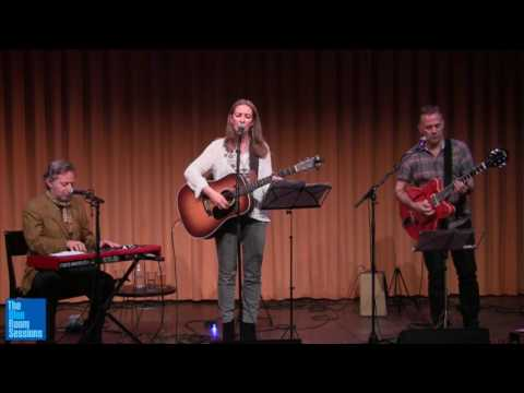 Suzanne Jarvie with Chris Brown and BartJan Baartmans - You Shall Not Pass Mp3
