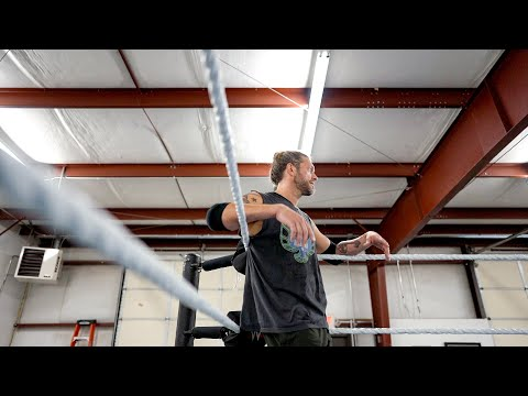 Edge Trains In A Ring For The First Time Post-retirement: WWE 24 (WWE Network Exclusive)