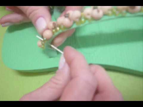 f97663b2b8bbb DIY Restyle your Flip Flops! طريقة رائعة لتزيين شبشبك الجزء الاول wie man  Zubehör herstellt