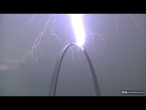 Lightning strikes the Gateway Arch in St. Louis twice - August 27, 2014