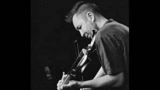 Nigel Kennedy plays jazz, swing