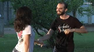 Baixar 'Em Dança' no ritmo da Bachata