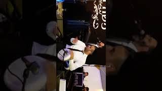רם יחזקאל בסולו דרבוקה בהופעה עם משה דוויק