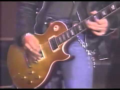 """Slash with Brian May: """"Tie Your Mother Down"""" (live Jay Leno Show 1993)"""