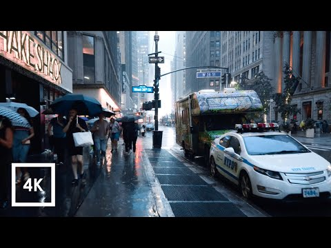 Walking in the Rain in Manhattan, NYC  (Binaural City Sounds