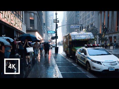 Walking in the Rain in Manhattan, NYC  (Binaural City Sounds) 4k Rain Ambience