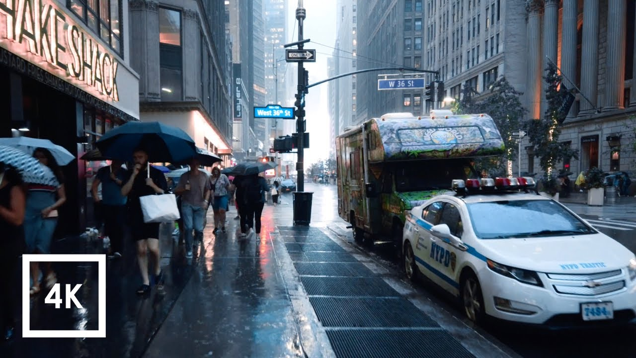 Walking in the Rain in Manhattan, NYC  (Binaural City Sounds) 4k Rain Ambience