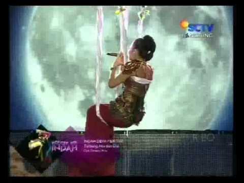 Indah Dewi Pertiwi - Tentang Aku dan Dia Live @Lapiazza.mp4