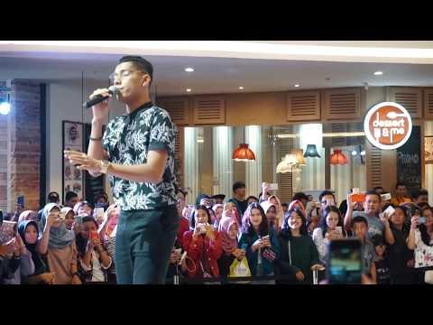 Meriahnya NGABUBURIT Bareng Artis JAZ HAYAT || Lippo Mall Jogja Part 1/3