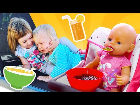 Карл и Бьянка на завтраке - Свинка Пеппа учится быть как мамой. Мамина школа