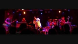 Watch Blues Traveler Come Together video