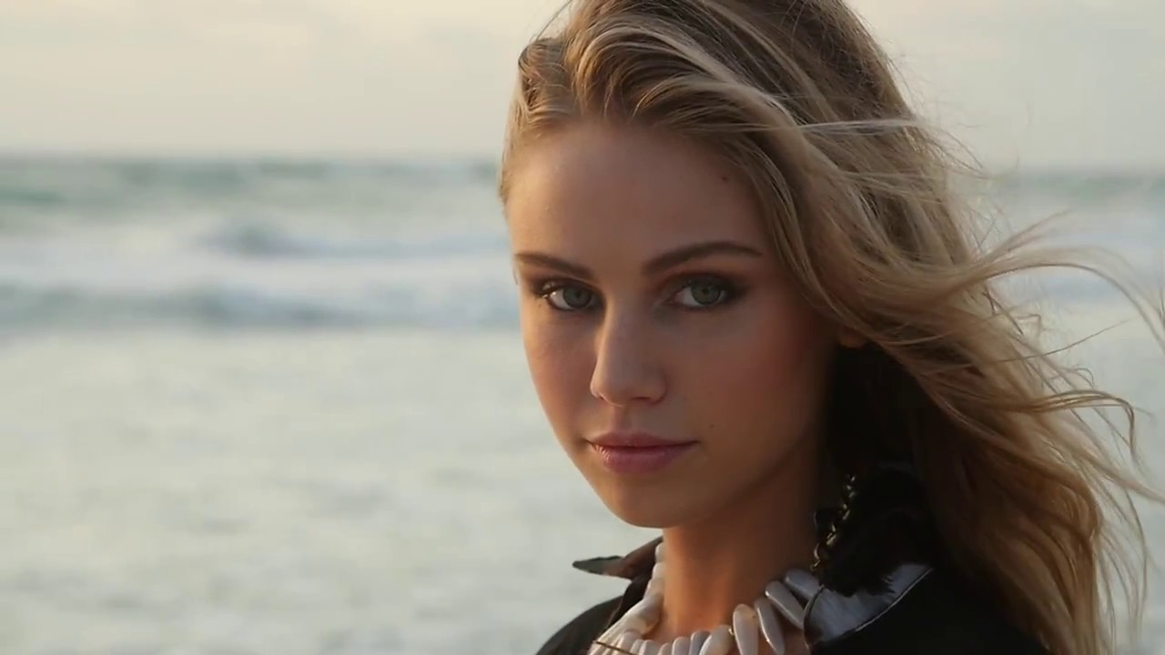 Images Scarlett Leithold naked (49 photos), Topless, Is a cute, Boobs, braless 2006
