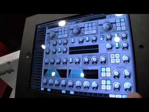 MESSE 2015: Waldorf Attack For iPad - Sings