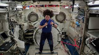 SPACE STATION CREW MEMBER DISCUSSES RESEARCH WITH OCEANOGRAPHERS