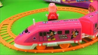 小猪佩奇玩米奇妙妙屋轨道小火车玩具