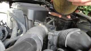 Replacement Air filter Ford Focus MK2 (výměna vzduchového filtru)
