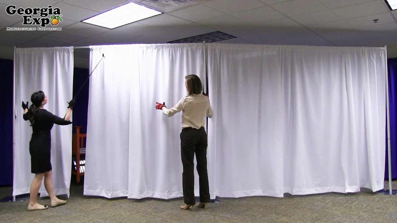Pipe and Drape Backwall Set Up - Georgia Expo - YouTube