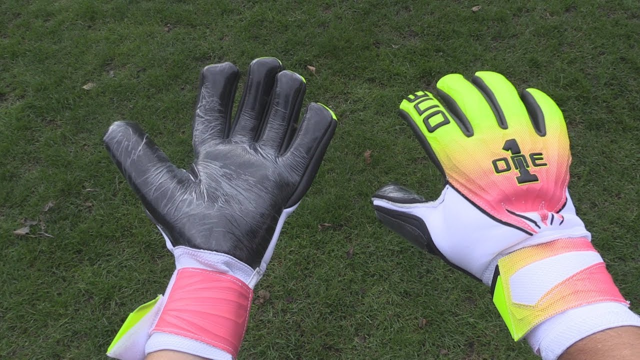 Goalkeeper Glove Review  The One Glove Co. GEO Tempest - YouTube cc2f50ffb
