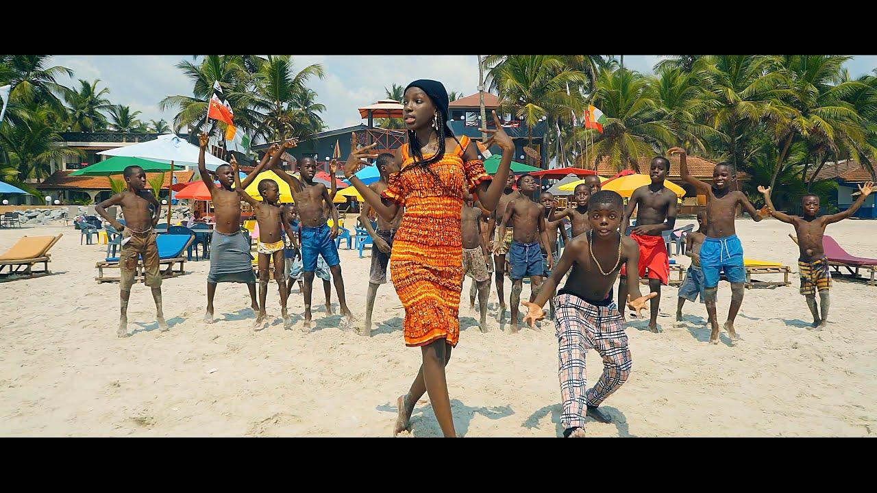 Download Mami La Star Feat Ramba Junior - C'est doux (Official Video)