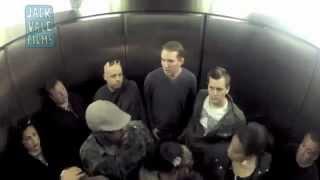 Asansörde Osuruk Şakası - Çok Komik