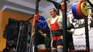 Евгений Шавченко - приседание со штангой 270 килограмм