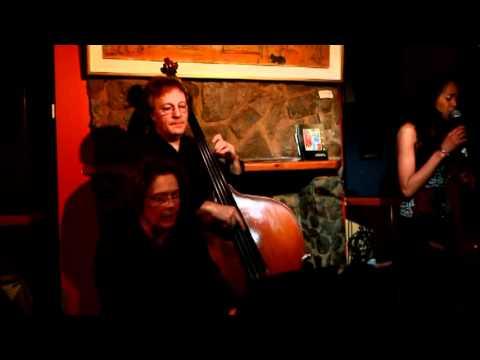 Haingo Nirina_Trio jazz