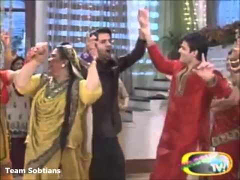 Barun Sobti and Sanaya Irani off screen masti...TS gift on 2nd Anniversary