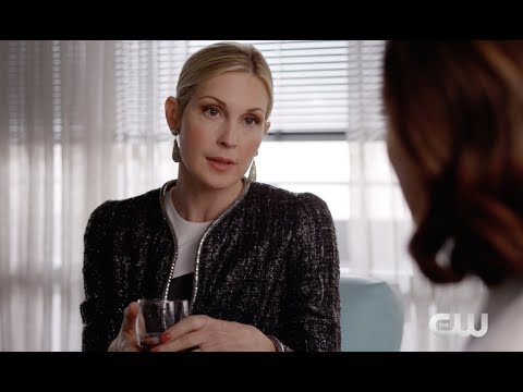 Dynasty 1x12 -- Kelly Rutherford Guest Stars