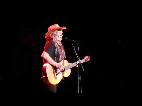 Angel Flying Too Close to the Ground - Willie Nelson - Shrine Aud. - Los Angeles CA - Aug 17 2017