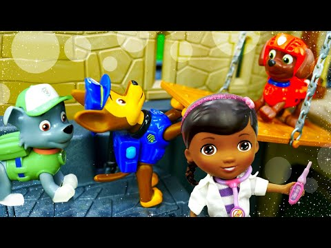 Видео про игрушки из мультфильма Щенячий патруль. Доктор игрушек Плюшева проводит медосмотр