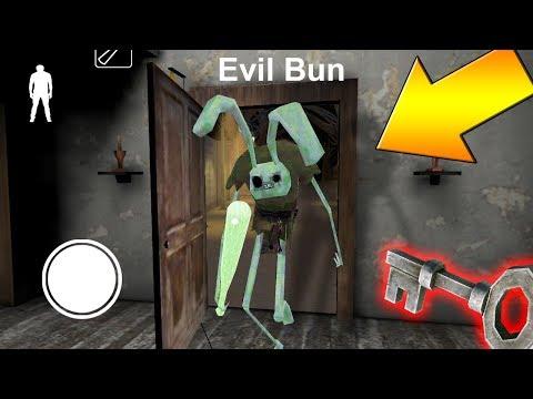 Новый злой кролик ходит за мной по всему дому - Evil Bun