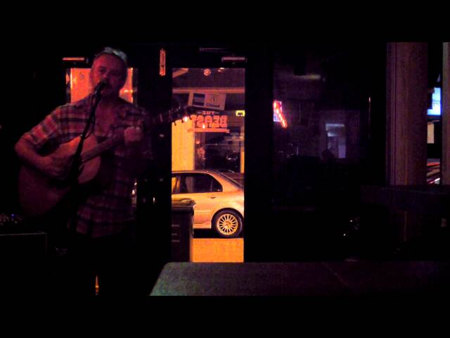 MB Spinks at The Beast open mic in Singapore