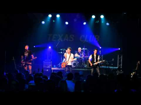 Think You Oughta Know That by Pamalee live at The Texas Club
