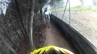 Downhill El Bosque Bello Antioquia  (camara Sebastian Gil persiguiendo a Juan Manuel Gil)