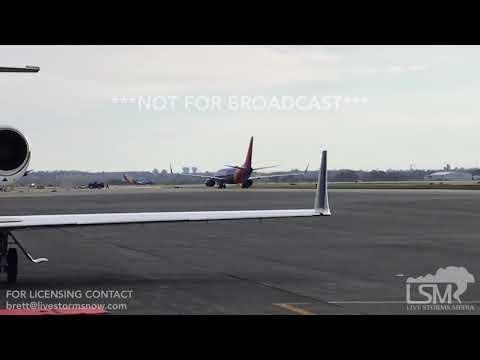 11-25-2017 Columbus, OH - Columbus Airport Arrivals And Departures