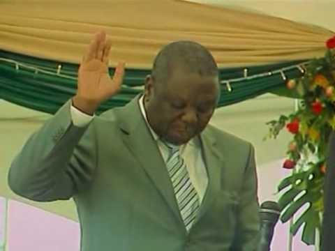 Mugabe swears in Tsvangirai as prime minister of Zimbabwe