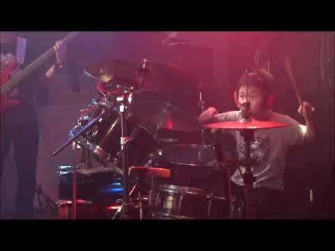 ノリノリ5歳のドラム レベッカ ラズベリードリーム ちびドラマーみち kids Drummer Michi(5y/o)