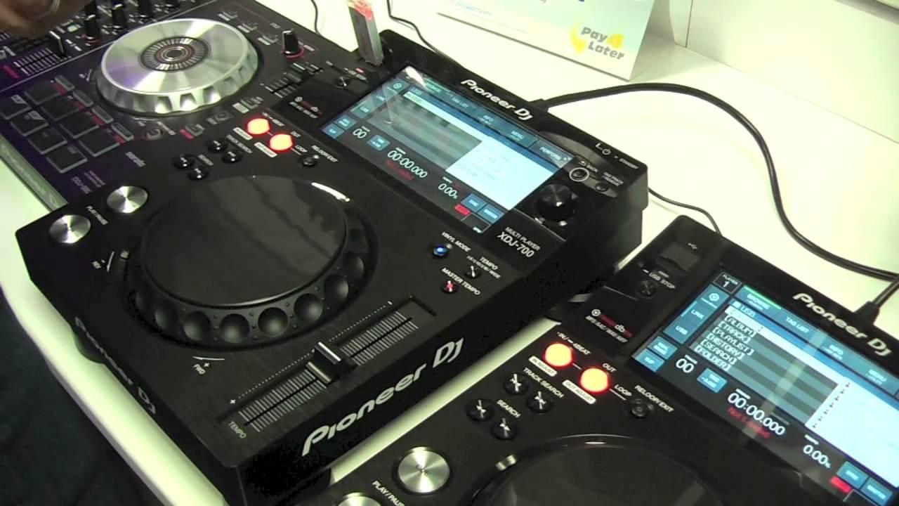 DJ CD Pioneer XDJ-700