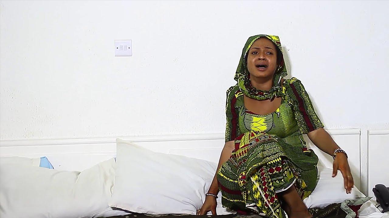 Download Ina jin tsoron mijina a cikin dakin yana bi da ni kamar bawa - Hausa Movies 2020 | Hausa Film 2020