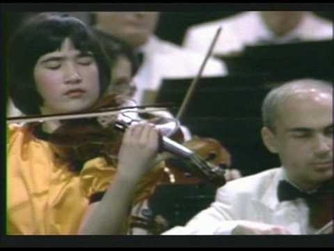 Viviane Hagner  (14 Yrs old): Israel Philharmonic with Zubin Mehta Conducting