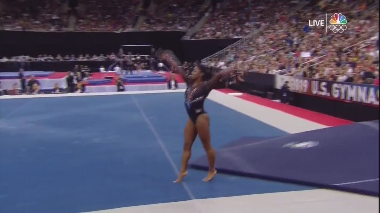 Simone Biles makes history