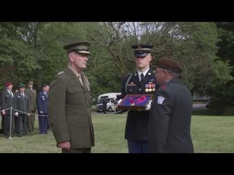 """IDF Chief of Staff Lt. Gen. Eizenkot given """"Legion of Merit"""" during US visit"""