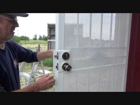 Etonnant Installing Door Knobs On A Security Screen Door...Part 3