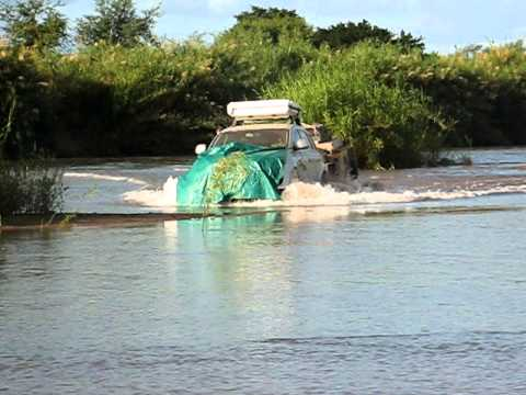 Q7 crossing limpopo river.AVI