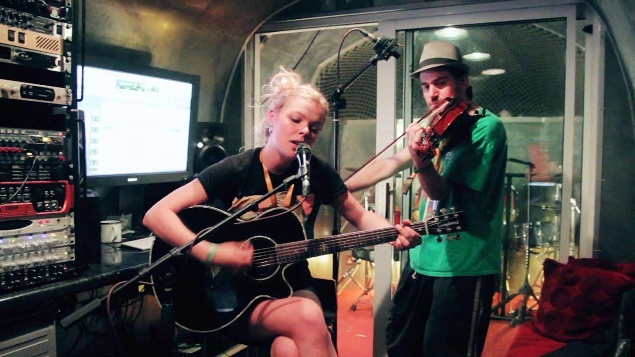 Country Road - Hayley McKay & Ben Mowat - Glastonbury 2014