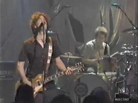 "Better Than Ezra Performs ""Good"" on Hard Rock Live"