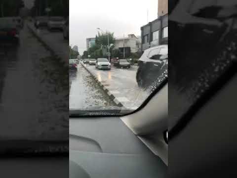 Πλημμυρισμένοι οι δρόμοι στην Μακαρίου Λεμεσό 12:50, 15/9/2019