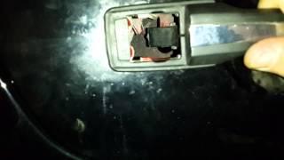 Как снять и поставить дверную ручку на mercedes w124 (ч1)