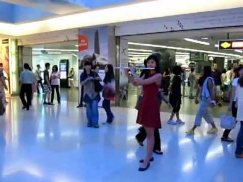 Music Flash Mob in Singapore! @ ION Orchard