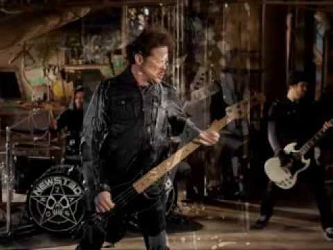 """Jason Newsted Talks About Writing the Metallica Song """"Blackend"""" with James Hetfield"""